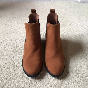 H&M faux suede boots. Never been worn size 39.